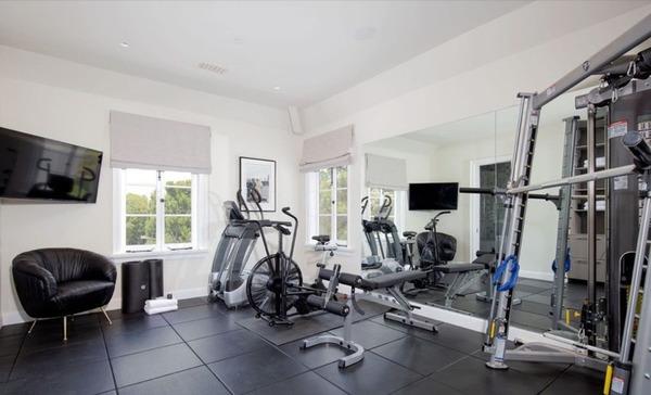 ruang gym pribadi