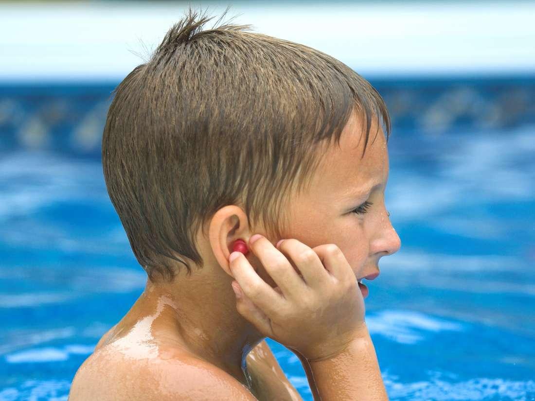 cara mengatasi telinga kemasukan air