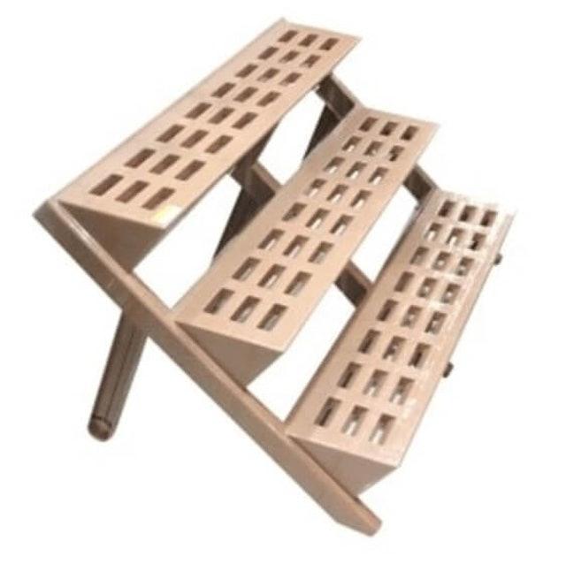 rak tanaman dari kayu seperti tangga