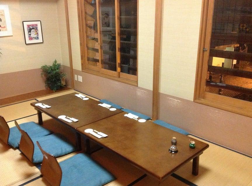 ruang makan lesehan tradisional jepang