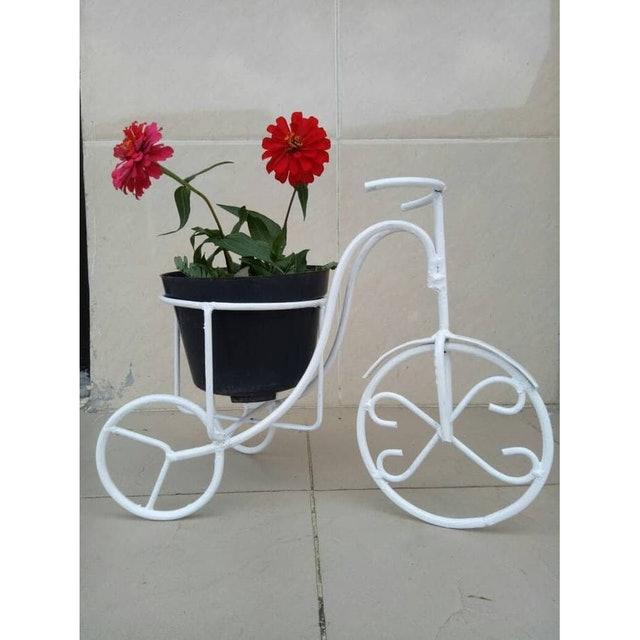 rak bunga minimalis dari besi bentuk sepeda