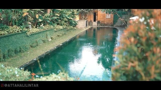 kolam renang rumah Jessica Iskandar