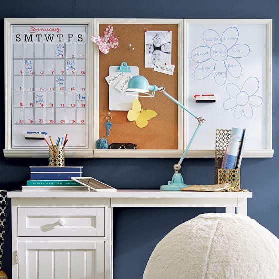 papan jadwal sebagai dekorasi meja belajar