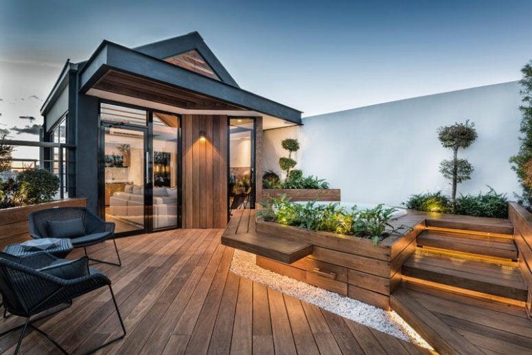 rooftop dominasi kayu