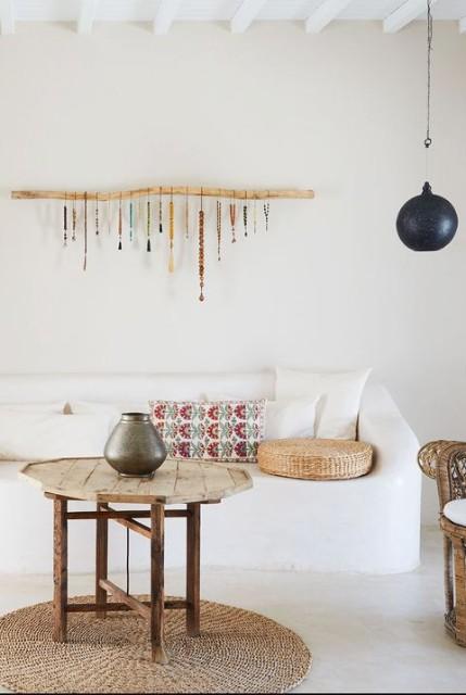 dekorasi dinding dari manik-manik