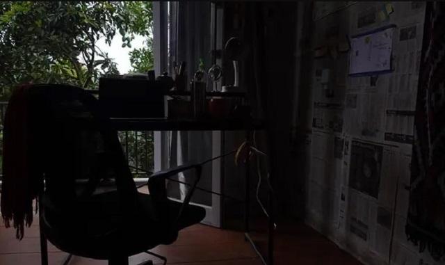jendela balkon