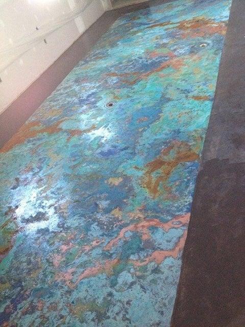 lantai plester unik warna-warni