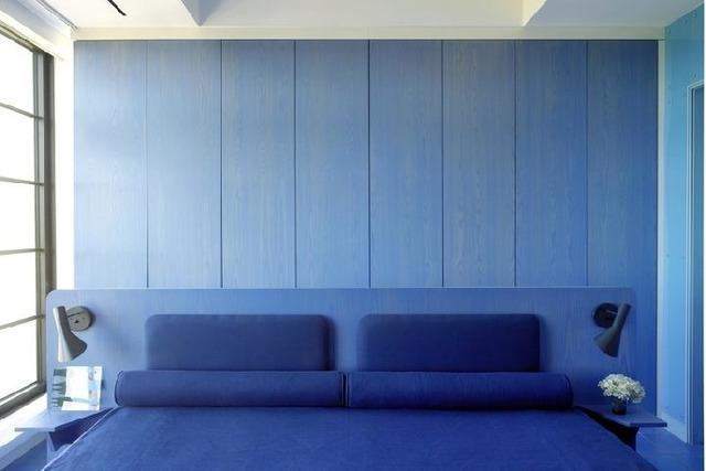 gambar kamar tidur monokromatik