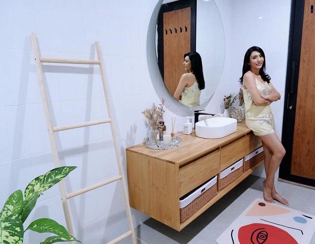 kamar mandi Tyas Mirasih