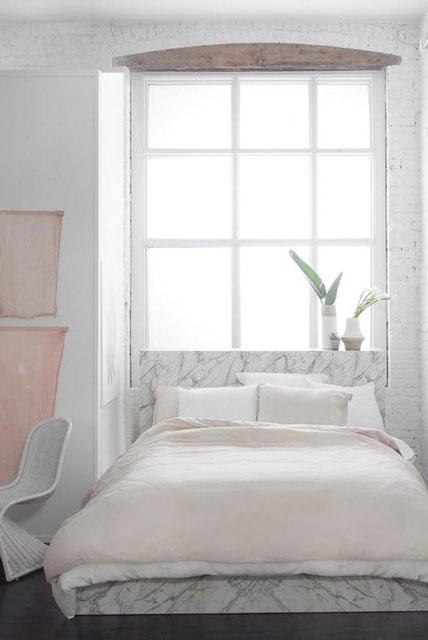 kamar warna putih