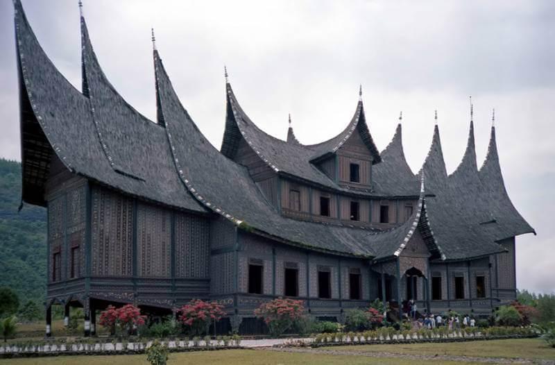7 Jenis Rumah Adat Sumatera Barat Keunikannya Plus Gambar