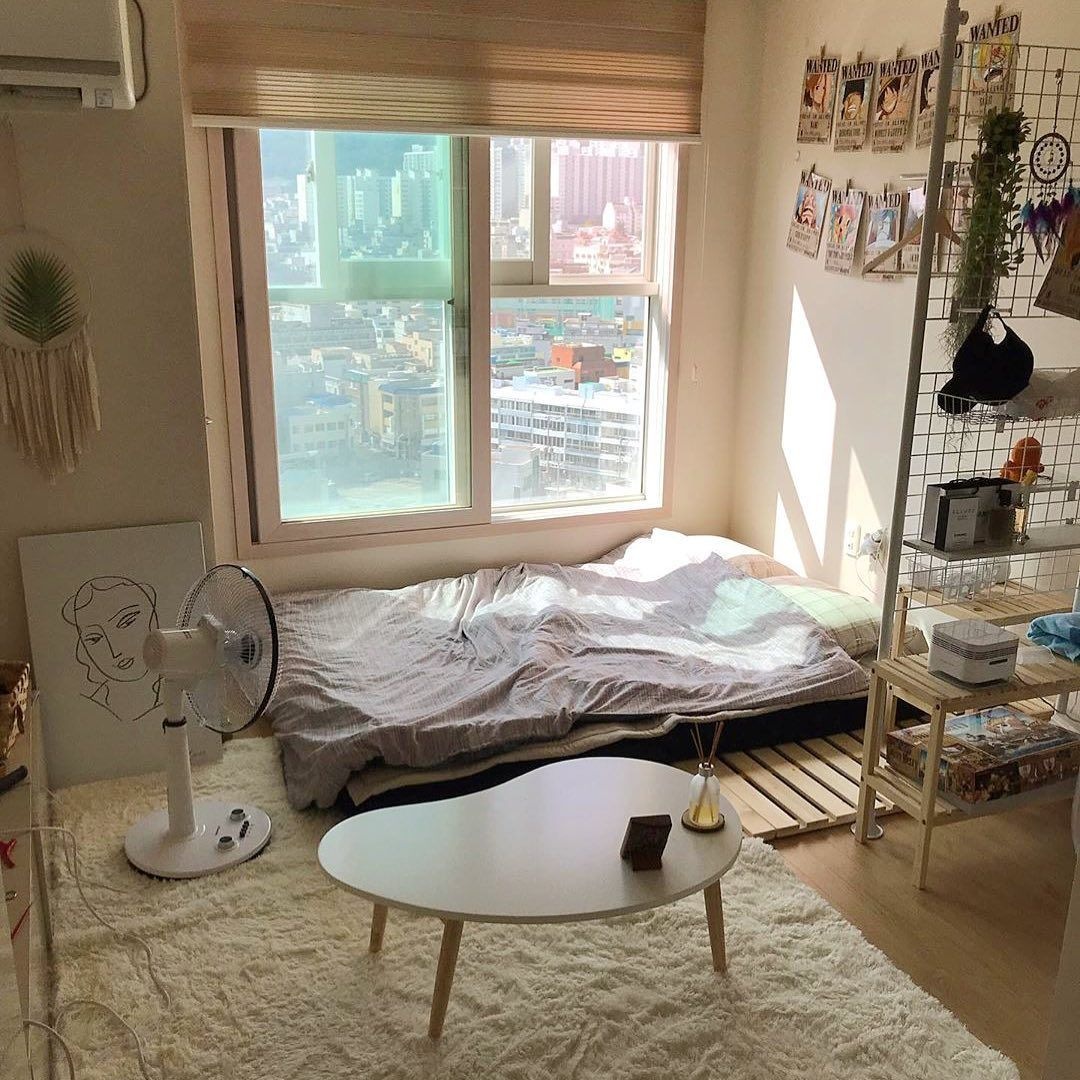 kamar sederhana nan estetik