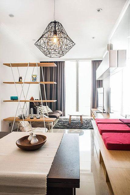 desain interior rumah minimalis dengan rak besar