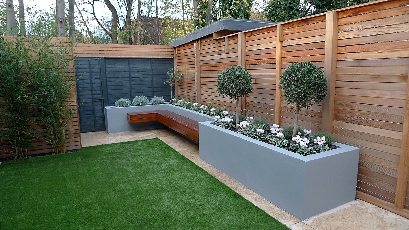 kebun mini dengan dak beton