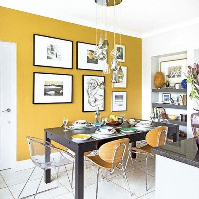 ruang makan warna mustard