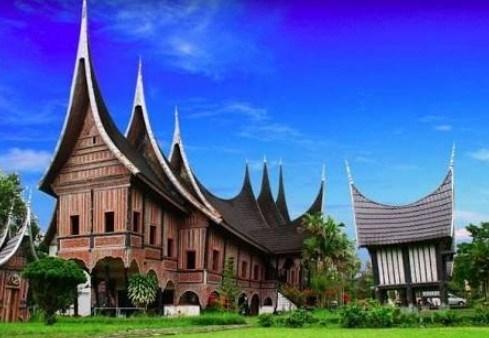 7 Jenis Gambar Rumah Adat Sumatera Barat Dilengkapi Ciri Khas