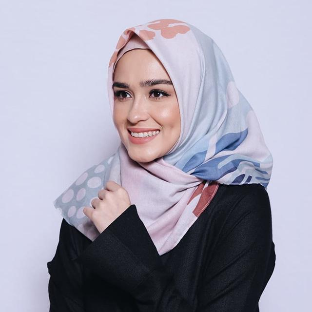 Kerap Disangka Artis Mualaf 7 Selebriti Ini Muslim Sejak Lahir