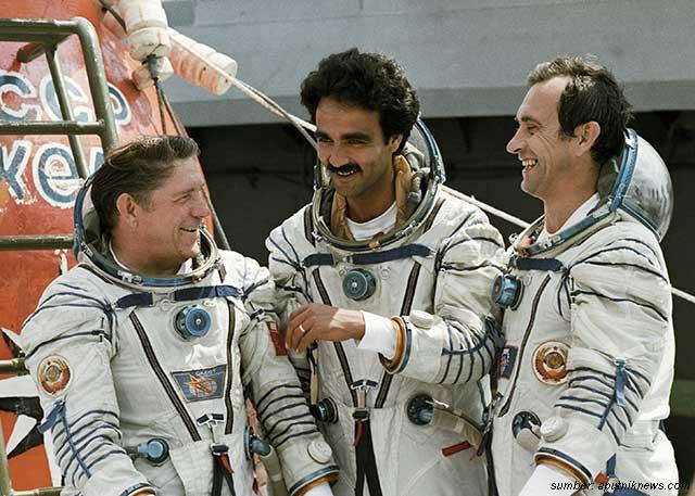 astronot muslim berpuasa