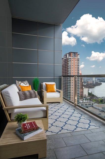 balkon minimalis kaca modern