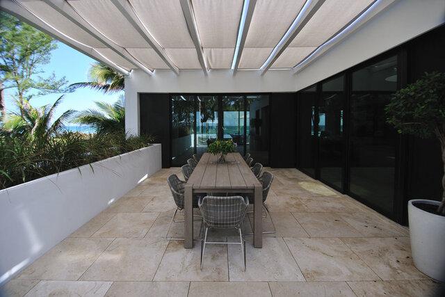 balkon minimalis marmer putih elegan