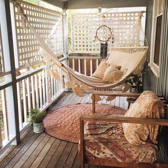balkon minimalis santai