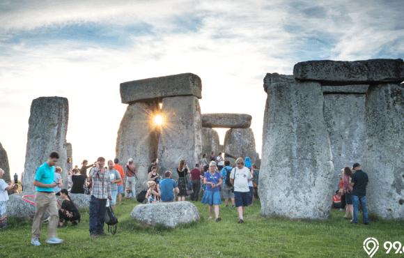 bangunan bersejarah stonehenge dibangun alien