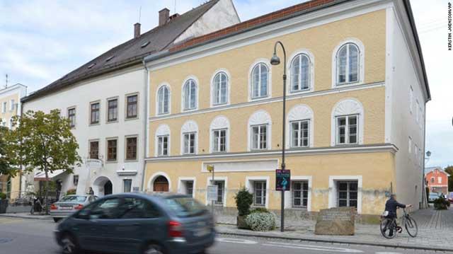 bangunan kontroversial