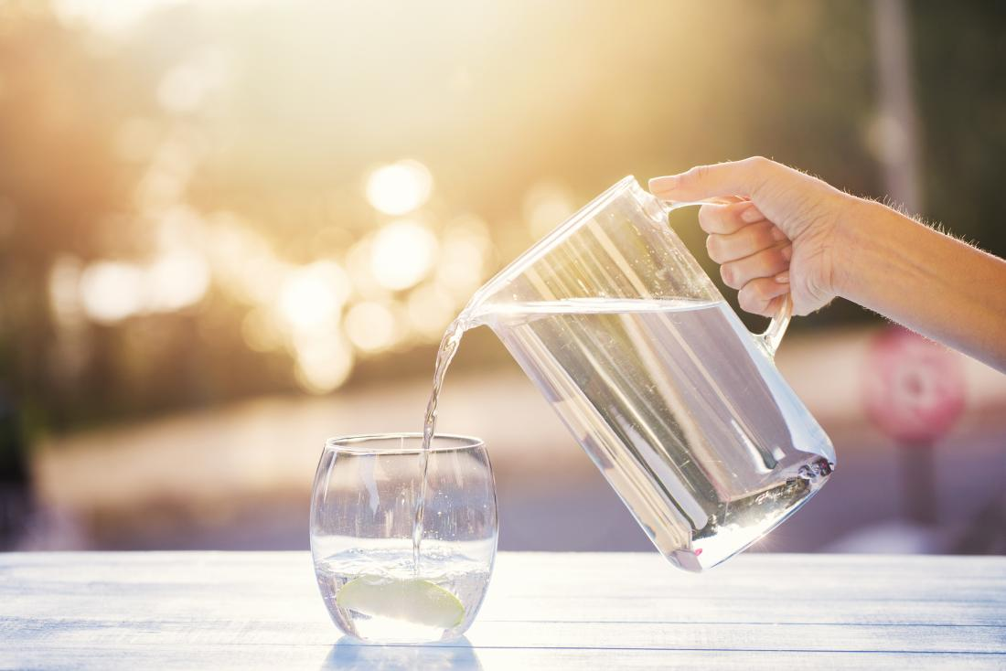 10 Manfaat Air Putih Untuk Kesehatan Tubuh Yang Tak Boleh Disepelekan