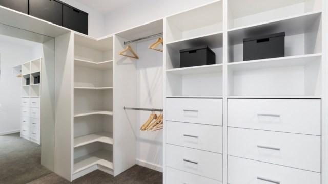 ruang kosong lemari