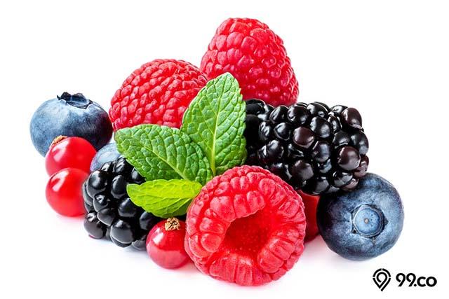 buah beri beragam jenis