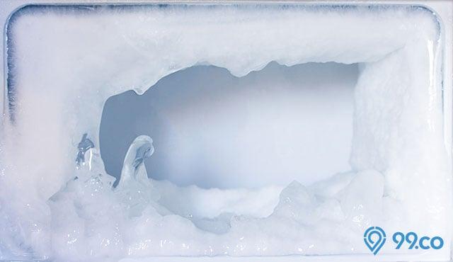 Cepat dan Efektif, Ini 6 Cara Membersihkan Bunga Es pada Kulkas