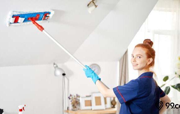 cara membersihkan plafon rumah