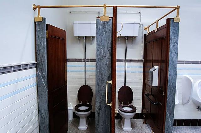 kamar mandi umum