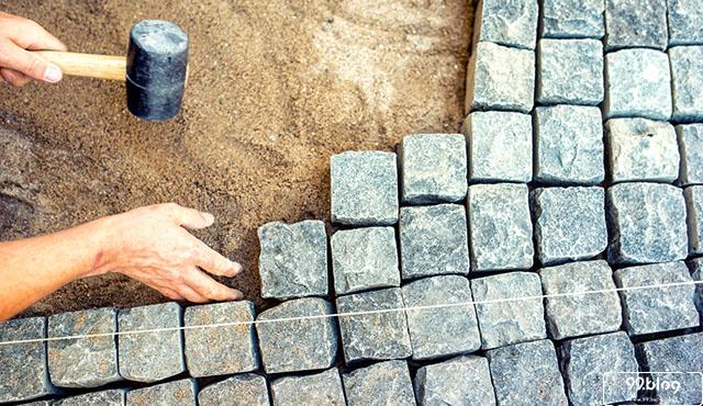 cara pasang paving block
