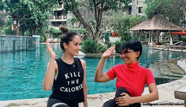 6 Potret Eksterior Rumah Cinta Laura di Bali, Taman Tropisnya Indah & Mewah Banget!
