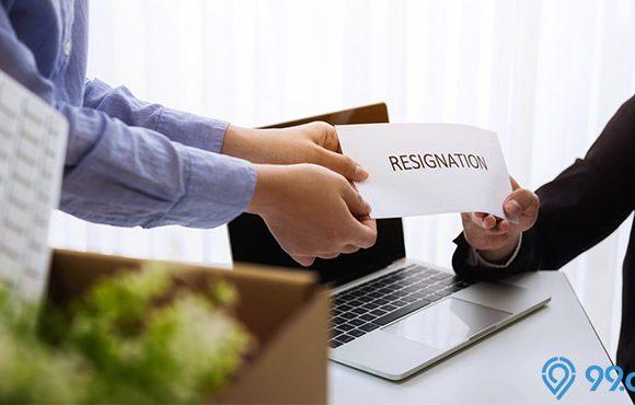 mengundurkan diri dari pekerjaan