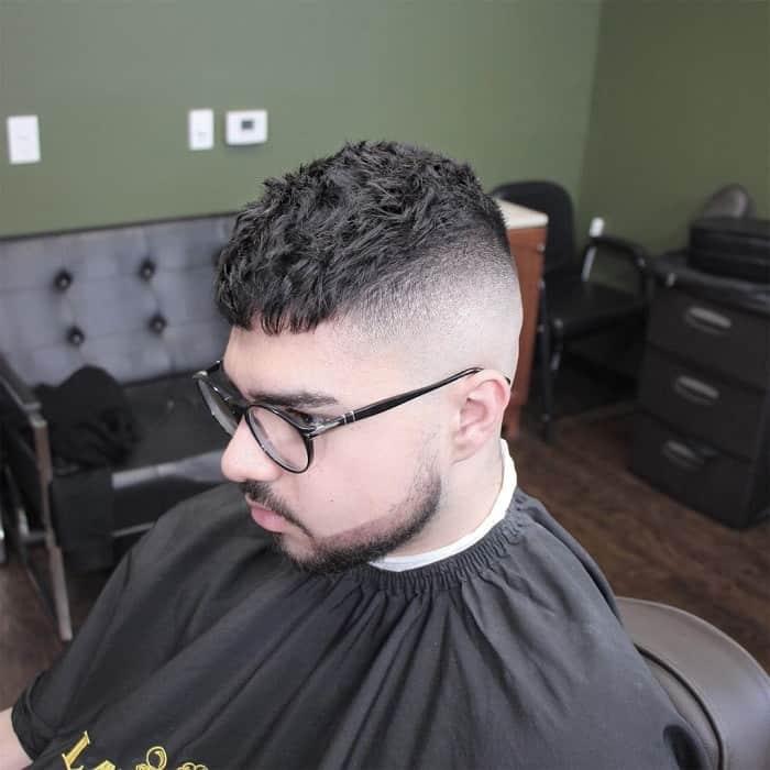 model rambut crop cut wajah bulat