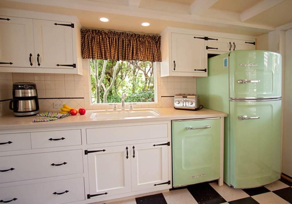 kulkas dapur klasik