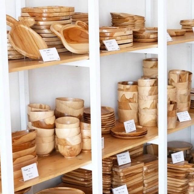 perabot kayu lokal dekayu