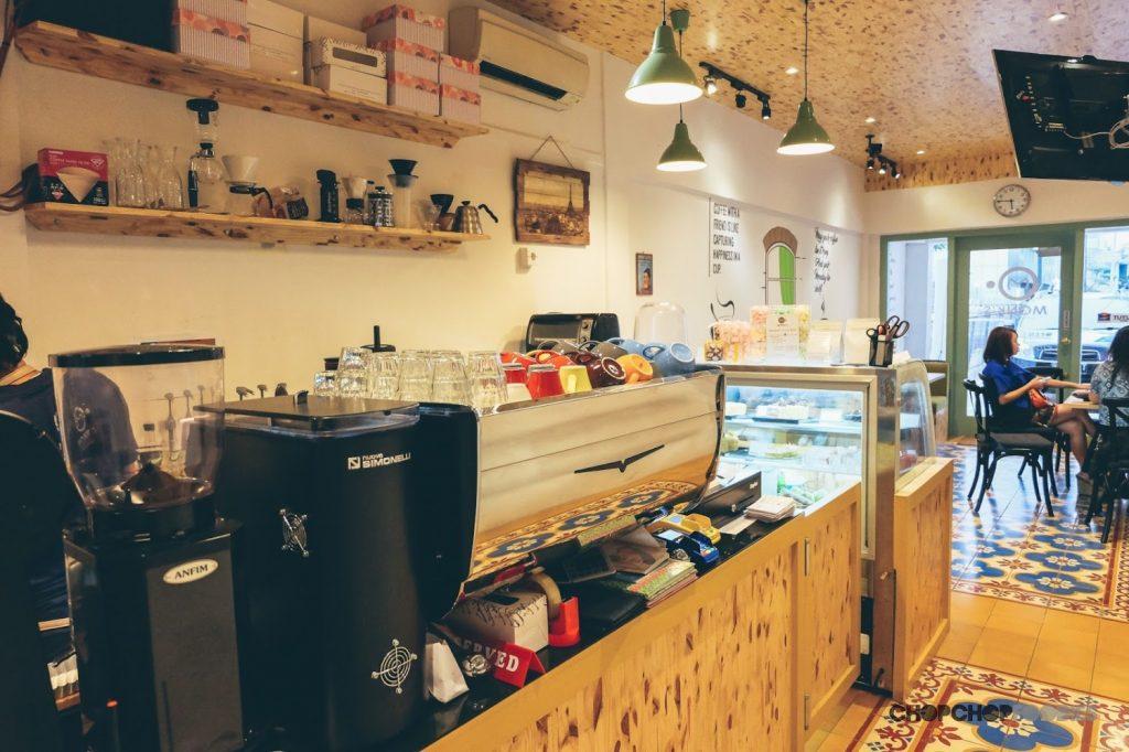 desain coffe shop mungil sederhana