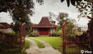 desain eksterior rumah klasik