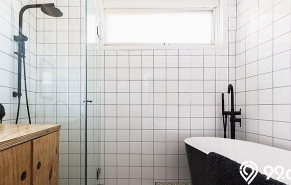 desain jendela kamar mandi