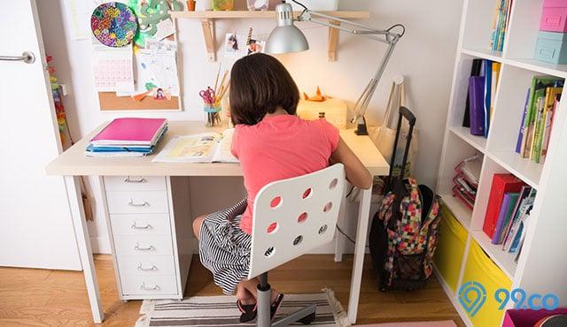 9 Desain Meja Belajar Anak Terunik Bikin Anak Semangat Belajar