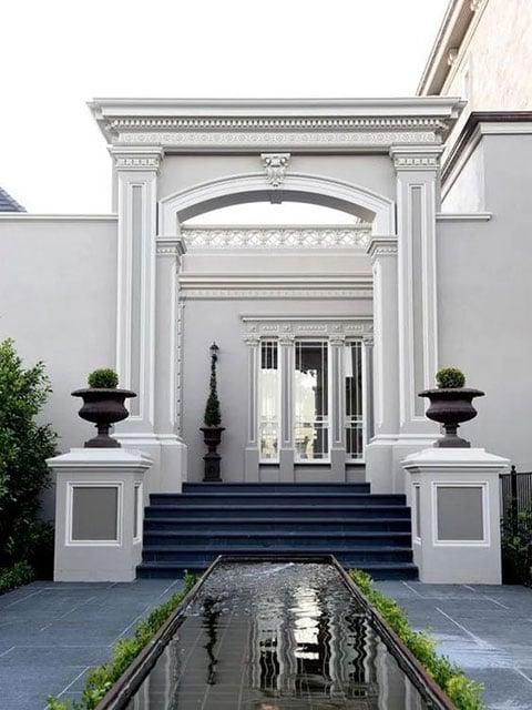 7 Inspirasi Desain Rumah Klasik Yang Populer Digunakan Di Rumah Artis