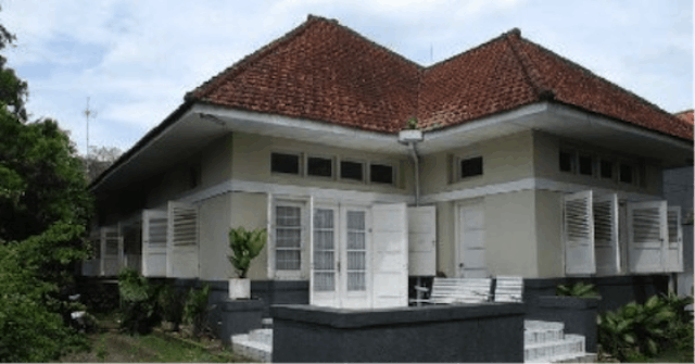 desain rumah kolonial klasik