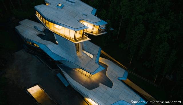 desain rumah unik pesawat luar angkasa