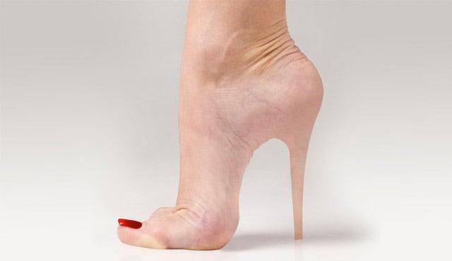 desain sepatu teraneh