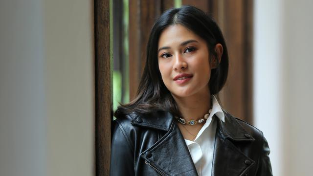 artis indonesia dian sastrowardoyo