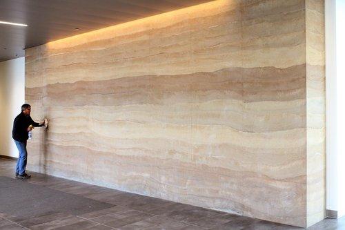 dinding tanah