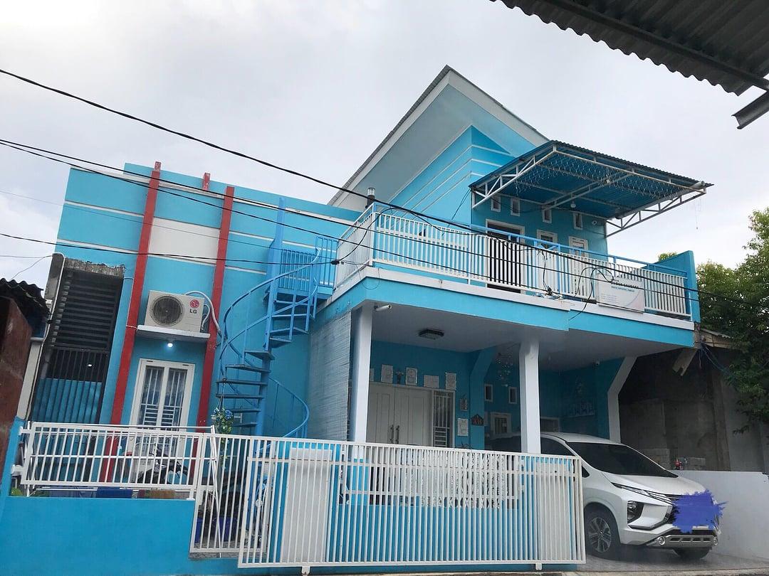 rumah doraemon tampak depan